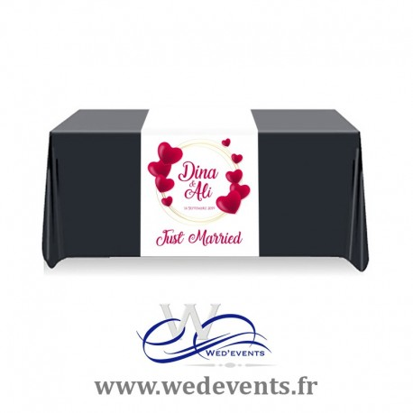 Chemin de table personnalisé Just Married Coeur