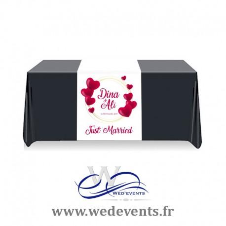Chemin de table personnalisé Just Married Coeur