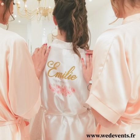 Peignoir satin personnalisé prénom de la mariée paillettes et fleurs