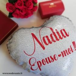 Coussin coeur rouge sequin personnalisé demande en mariage