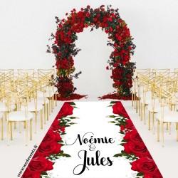 Tapis de mariage personnalisé prénoms roses rouges
