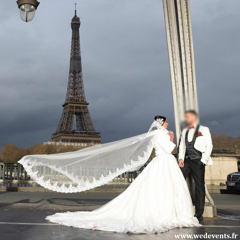 Lamia pendant son shooting photo de mariage à Paris